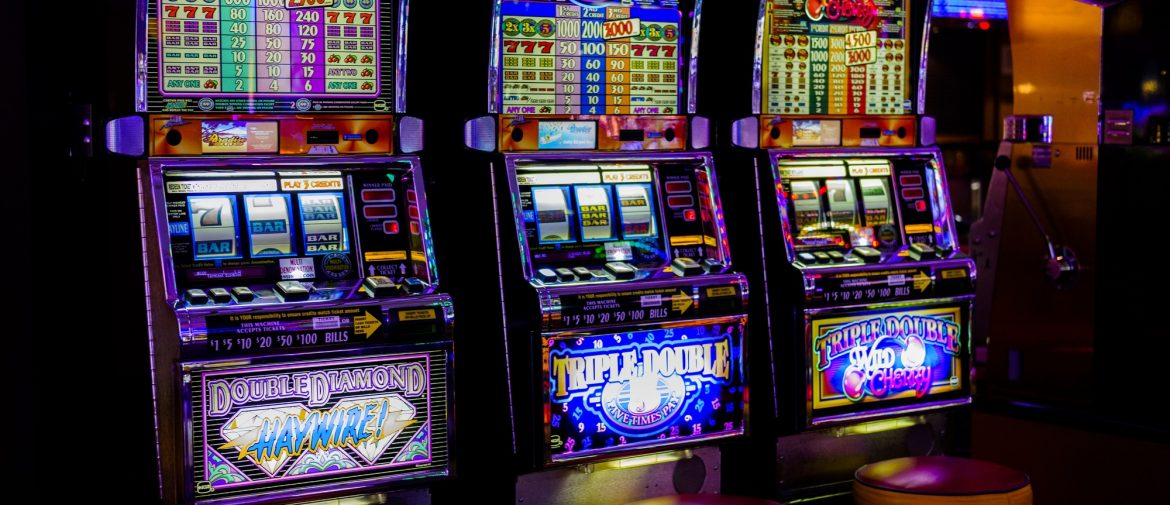 How to Win at Slots: 7 Effective Tips to Know